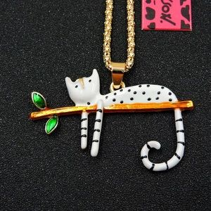 NWT BETSEY JOHNSON CAT NECKLACE
